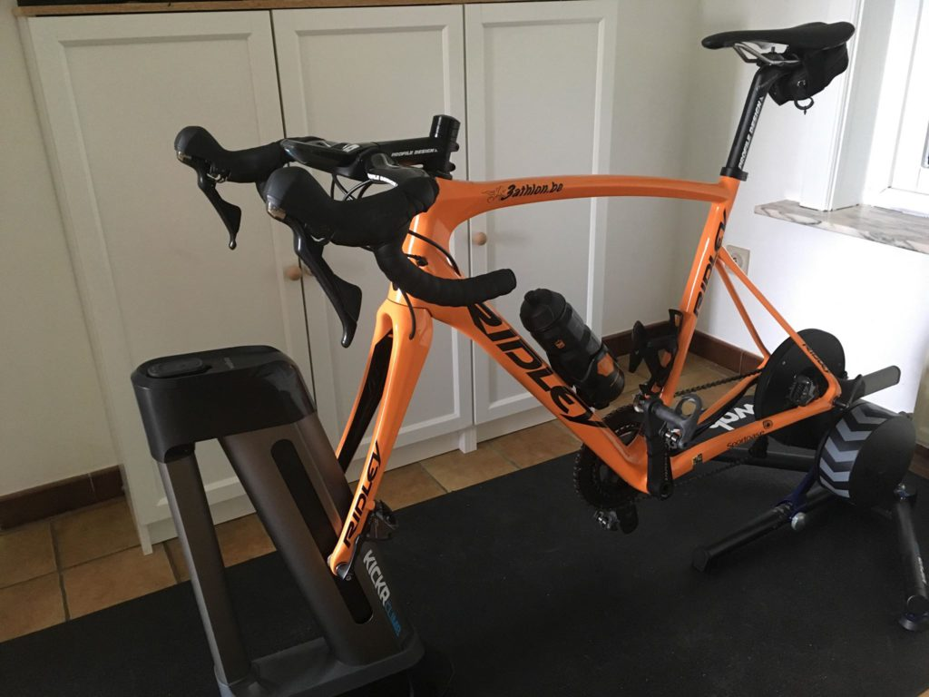 test Twitter Media - Triatleten en hun 'Pain Cave': 7% traint in stilte, 46% gebruikt training games @Ridley_Bikes @GoZwiftTri @wahoofitness #PainCave https://t.co/MQ6iPlo1Sh https://t.co/oxiWJ2OpUp