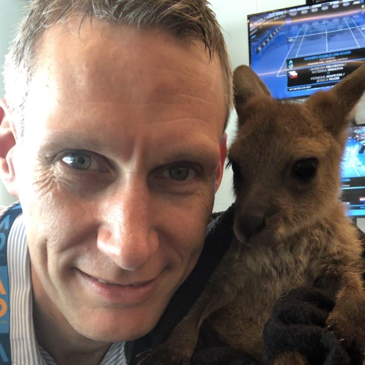 RT @DavidLawTennis: Got a new mate. He supports @wba so we should be ok. https://t.co/YhflhvLGuh