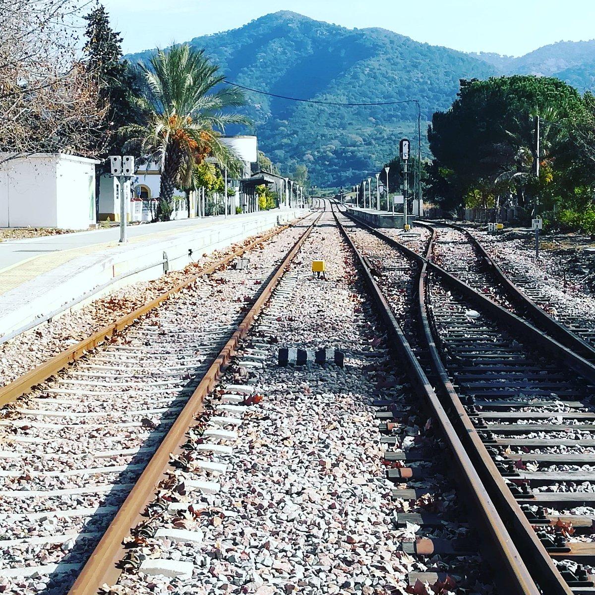 ¿Me pillará el tren? #SinTiempo https://t.co/h8FTfhQ00x