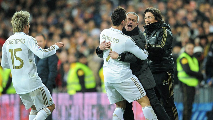 RT @CR7Brasil: Quando eu tinha Cristiano Ronaldo ao meu lado, Eu era um Homem Feliz   -Jose Mourinho https://t.co/jG0DrOgUXE