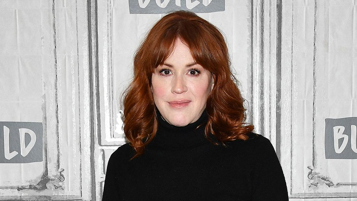 Molly Ringwald Calls Being a Teen 'Way Harder' Than When She Was First Acting