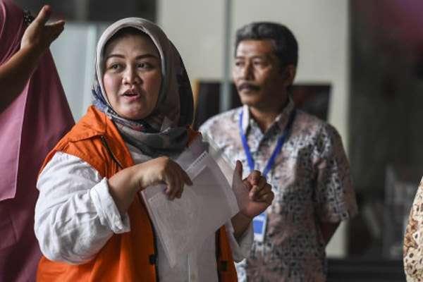 RT @Bisniscom: Suap Meikarta: KPK Duga Anggota DPRD Bukan Hanya Terima Fasilitas Pelesiran https://t.co/w5vhy5bKw9 https://t.co/WSSCaL4R7T