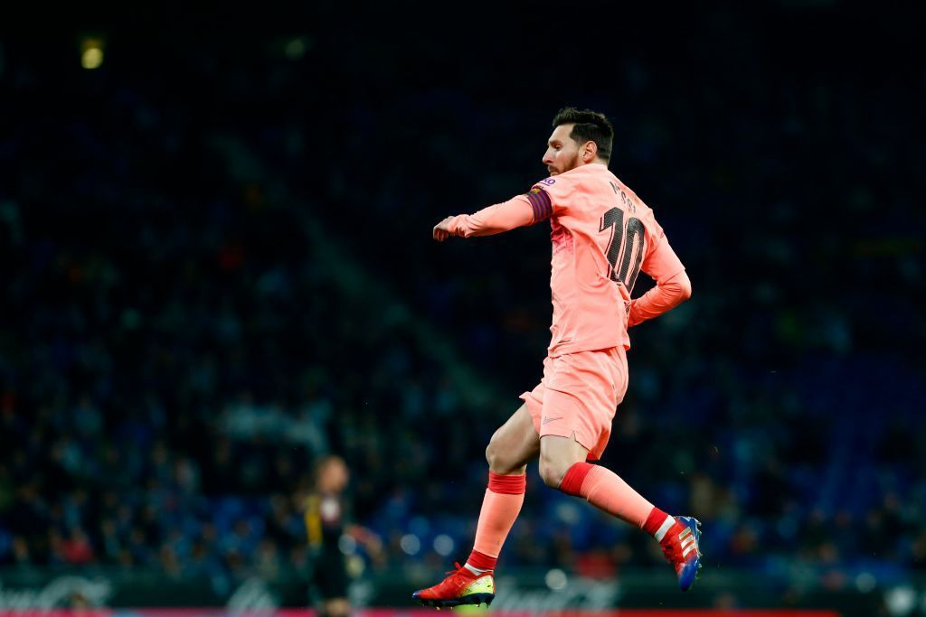 """Messi reveals """"favourite goal"""" of hiscareer https://t.co/vVX133A81T https://t.co/IJLYI3wPf7"""