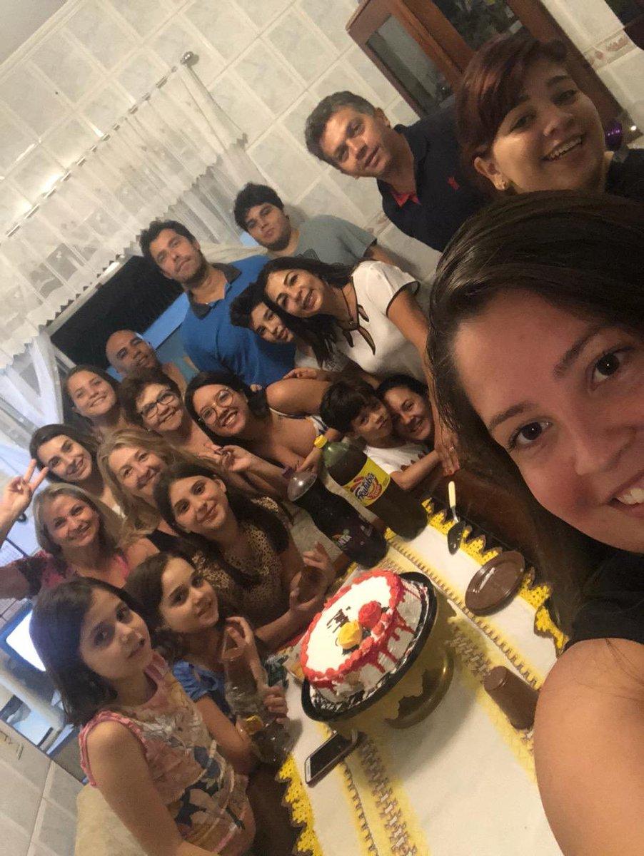 #FridayNight Prévia Mainha's 70 😍🔝💜🎂☕️🥪 Quintal da família reunida ❤️ https://t.co/Cti6r20l1S