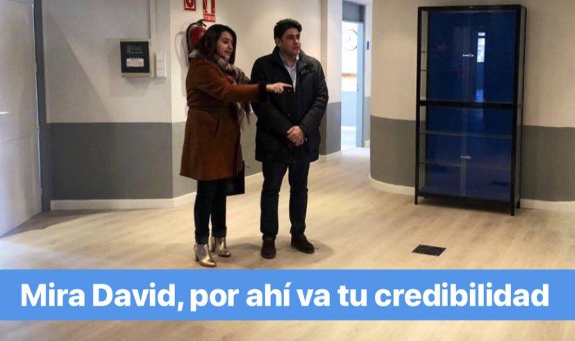 "RT @AlcorconMemes: ""Mira David, por ahí va tu credibilidad"" #Alcorcón https://t.co/W1jlGLFICm"