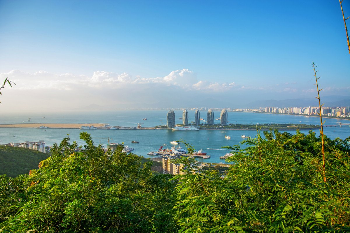 China's tropical island, Hainan, wants to be the top spot for foreign tech startups https://t.co/DovNcqBuKi https://t.co/HtLkOejJnN