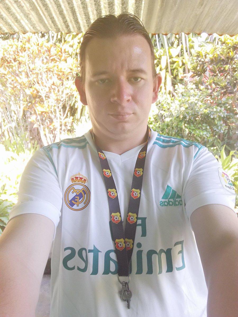 Jainer equipo de Real Madrid eres cristiano Ronaldo #7 que mejor 👍🙏💪👌 https://t.co/oqZM39Gynp