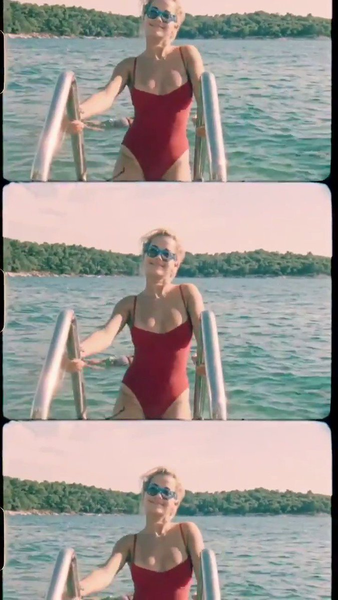The official vertical video for Let You Love Me is out now ???????? https://t.co/HQxnakQiVl https://t.co/1UErx0payB