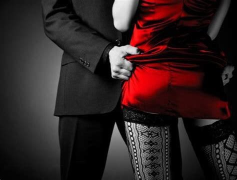 I dress in red  Just like tonight's  Full moon The seduction spell Is now cast The energy rising It's intense  Aching for each other  The #promises of the  Night being made with Our lips, tongues, fingertips Higher and higher we go Waiting for our release  #SeduceMeSunday https://t.co/0WQK2JbypZ