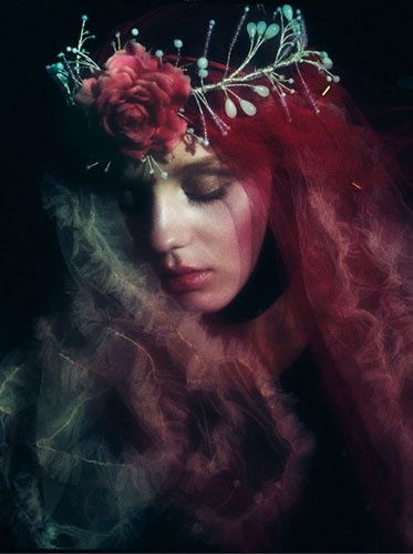 When the blood moon  throws shadows on fools You place your wreath of thorns Never loved me more  Evil runs in the veins of those too weak to carry their loads Sin passes so silently It's not truth that sets them free but no words remain  #Ashverse #Madverse Art Sayaka Maruyama https://t.co/0Dj3gr3bsC