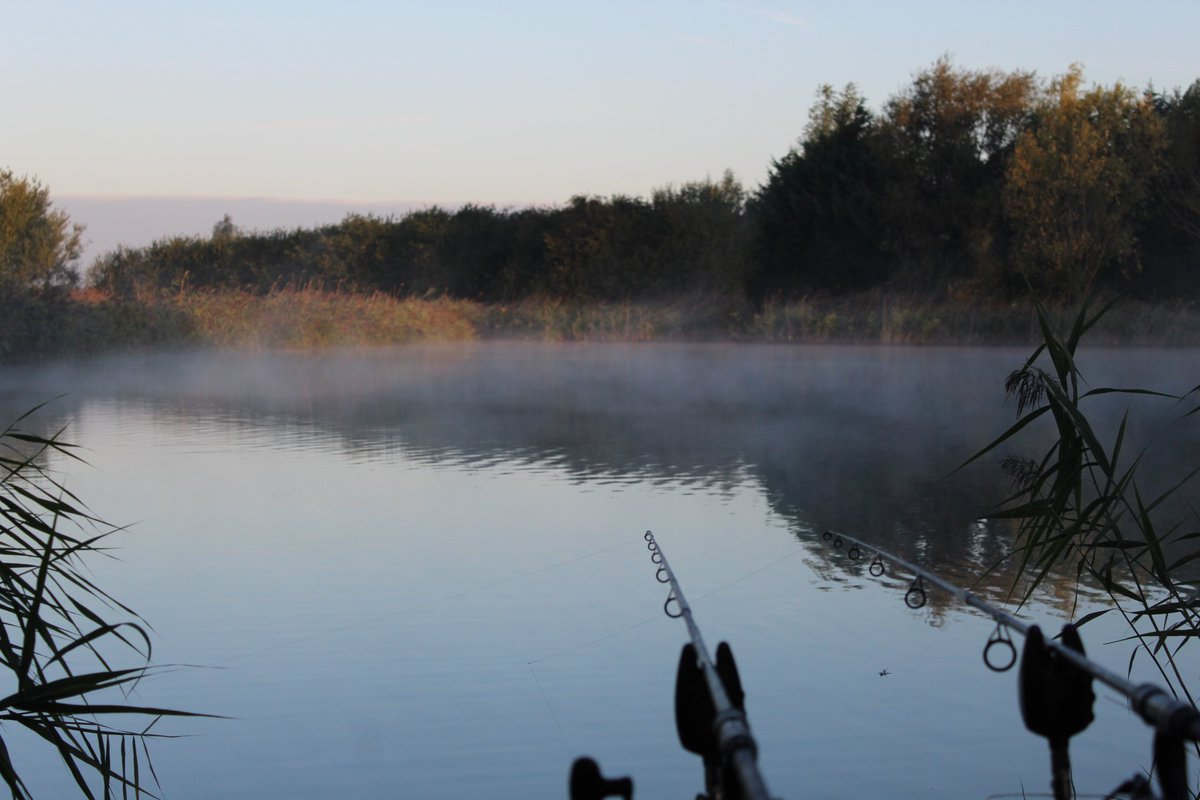 Took a wile back but look at that mist #carpfishing #carplife #bank #becarpy #staycarpy #fenlandcarp