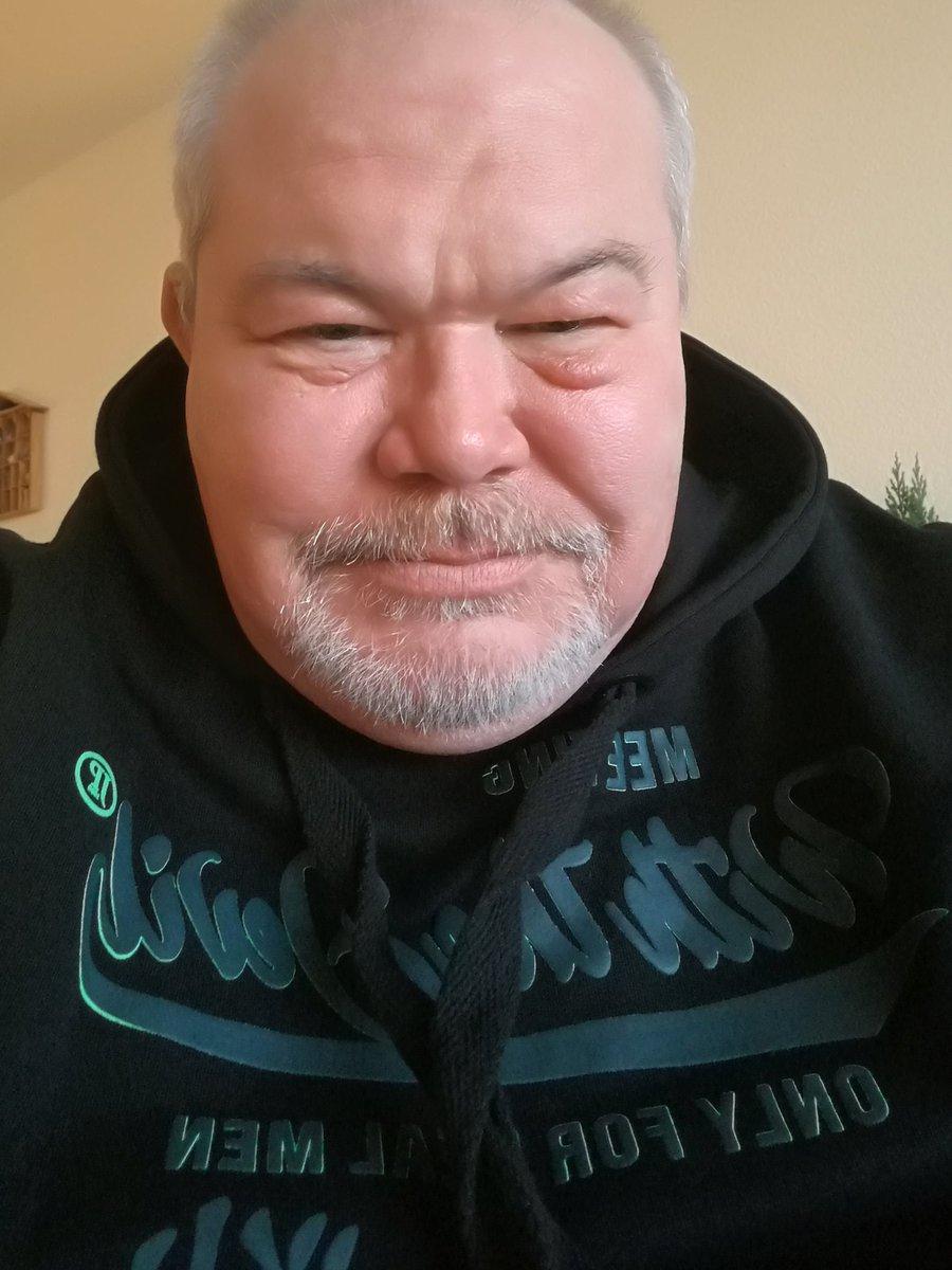 RT @Jabba0718: Versuch eines #Montagslaecheln https://t.co/zEQDC6gmzb
