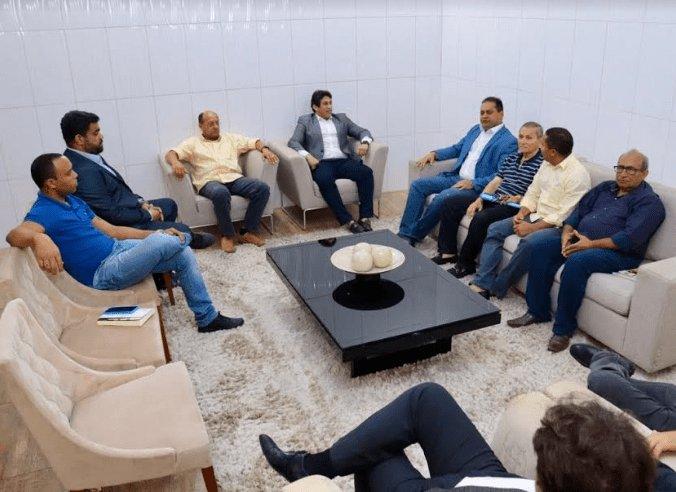 #Encontro. Vereadores de São Luís reúnem com Weverton Rocha https://t.co/zhqArrKbvJ https://t.co/JEPTCxjxXp