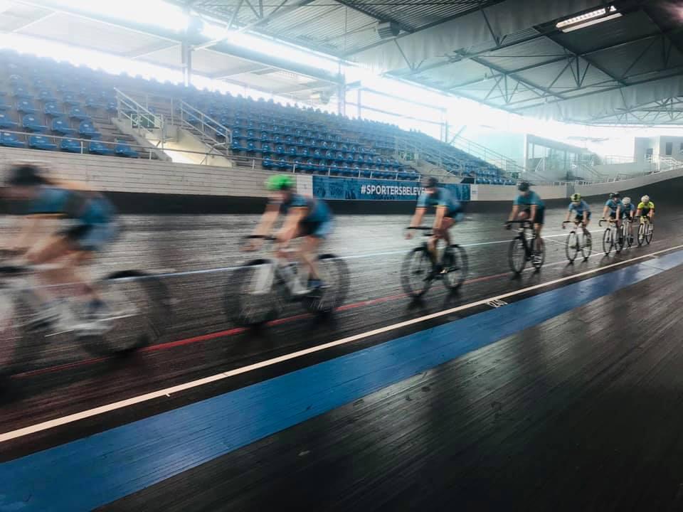 "test Twitter Media - Nieuwe generatie Belgian Hammers palmt wielerpiste in: ""Steiler dan je denkt..."" #BelgianHammers @hannedevet @TriatlonVL @BELCycling https://t.co/NmU5i1ZV8i https://t.co/THZeVI8I7L"