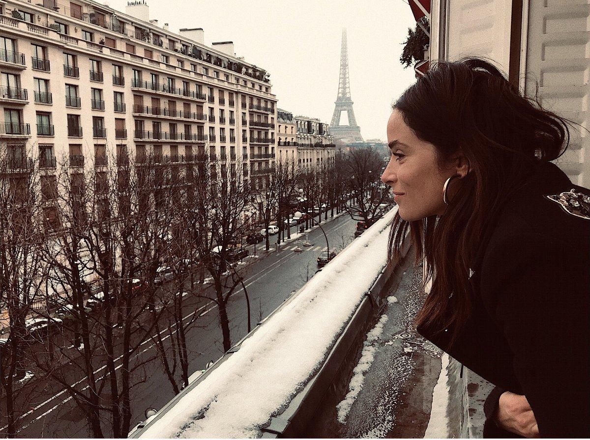 Je déteste te voir partir. tu es si jolie dans la neige. ????????❄️✌????. @Plaza_Athenee @DC_LuxuryHotels https://t.co/XehOesT2Rw