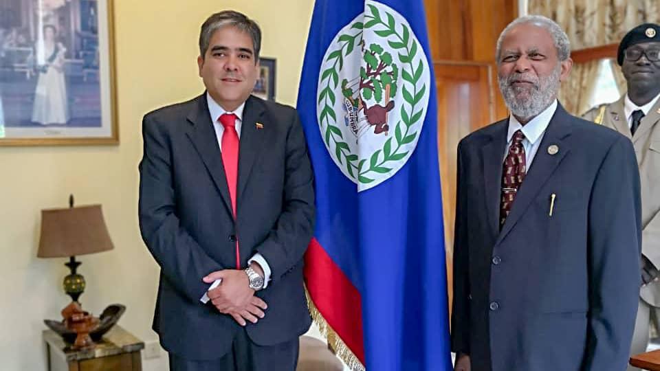 #NOTICIA   Gobierno de Belice recibe y acredita al nuevo Embajador de Venezuela  https://t.co/vXqbiicy0W https://t.co/0kbBgEvlwm