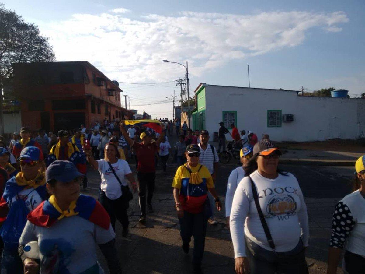 Marabinos salieron a la calle este 23 de enero https://t.co/8SP4SUPWTH  https://t.co/sNNxDOAsdr