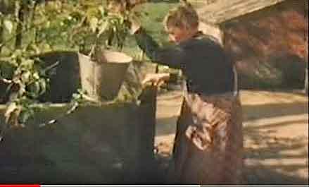 test Twitter Media - Dit is Sjoke Jansen (Strijbeek 1900-1989), op 80-jarige leeftijd gefilmd voor het NCRV-programma Showroom. In 1955 fotografeerde ik Sjoke in haar authentieke Brabantse boerderij-interieur. https://t.co/MEd7BxwLxV https://t.co/l8H6XHV2l6