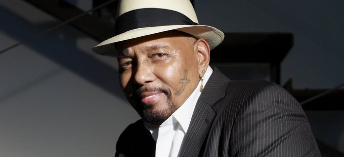 HAPPY BIRTHDAY to Aaron Neville, born on this day in 1941!