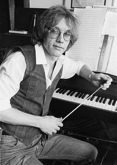 Happy birthday to the Excitable Boy, the late Warren Zevon. Born this day in 1947. Enjoy every sandwich.
