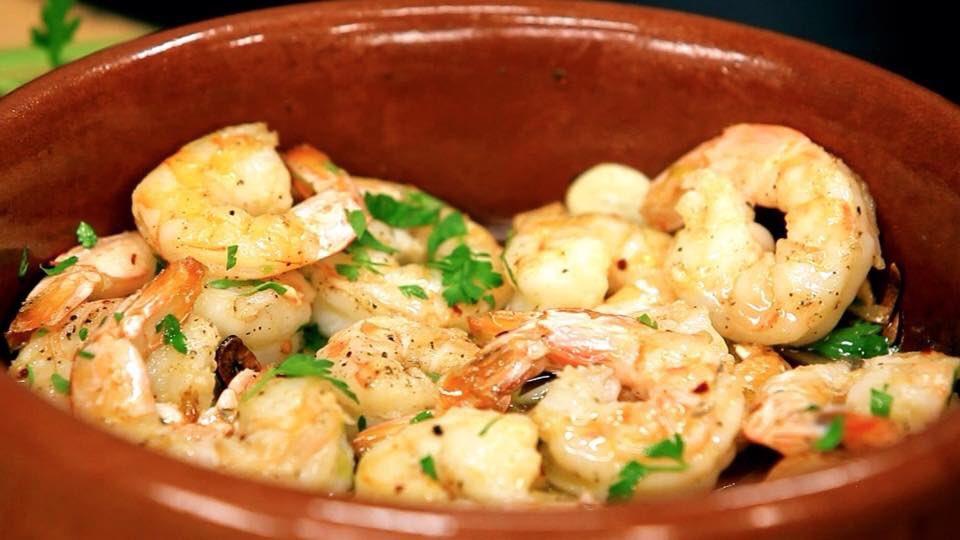 test Twitter Media - Gambas Al Ajillo  Garlic & chilli king prawns - one of our most popular Tapas dishes.  What's your favourite tapas dish?   #tapas #mediterraneandiet  #spanishfood #gambas #creativequarterfolkestone #oldhighstreetfolkestone #folkestone #FridayFeeling https://t.co/Tcj3ertFa8