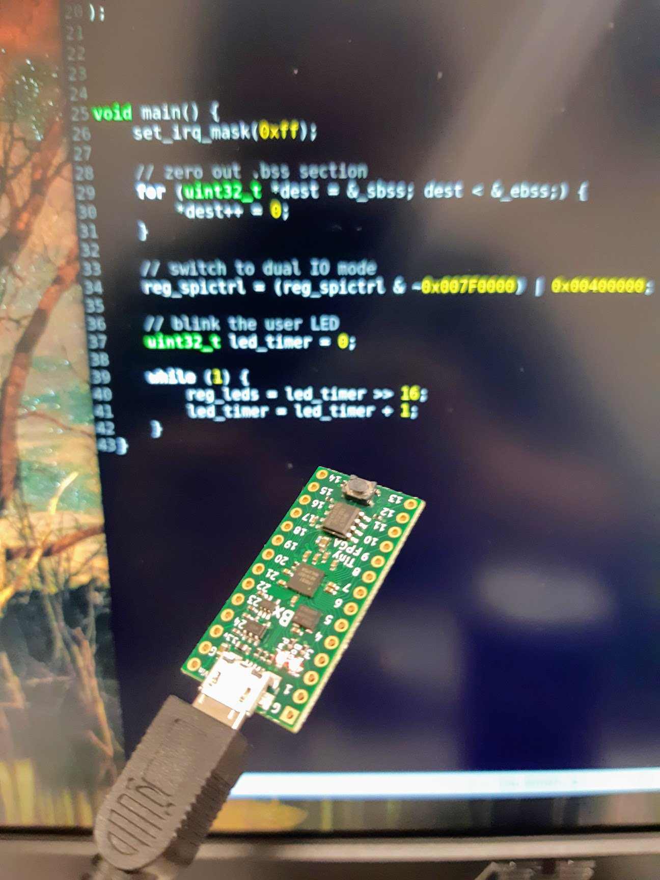 """Ugh, this is crazy cool.. - PicoRV32 RISC-V, which is less than 3000 lines of Verilog. - Implemented and loaded on TinyFPGA BX via open source tools (yosys, arachne-pnr, icetime, icepack). - Running C blinky, cross-compiled with """"riscv32-unknown-elf-gcc -march=rv32imc"""" *BLINKS* https://t.co/cI2I7iI60O"""