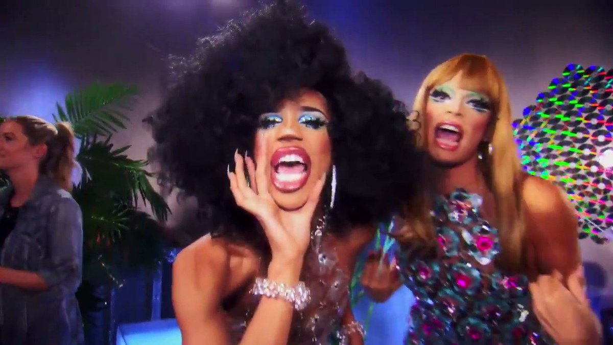 RT @RuPaulsDragRace: Stefon approves. ???? *CLUB 96*  @naomismallsduh @allofvalentina @ritaora #AllStars4 https://t.co/mdBB8di6zE