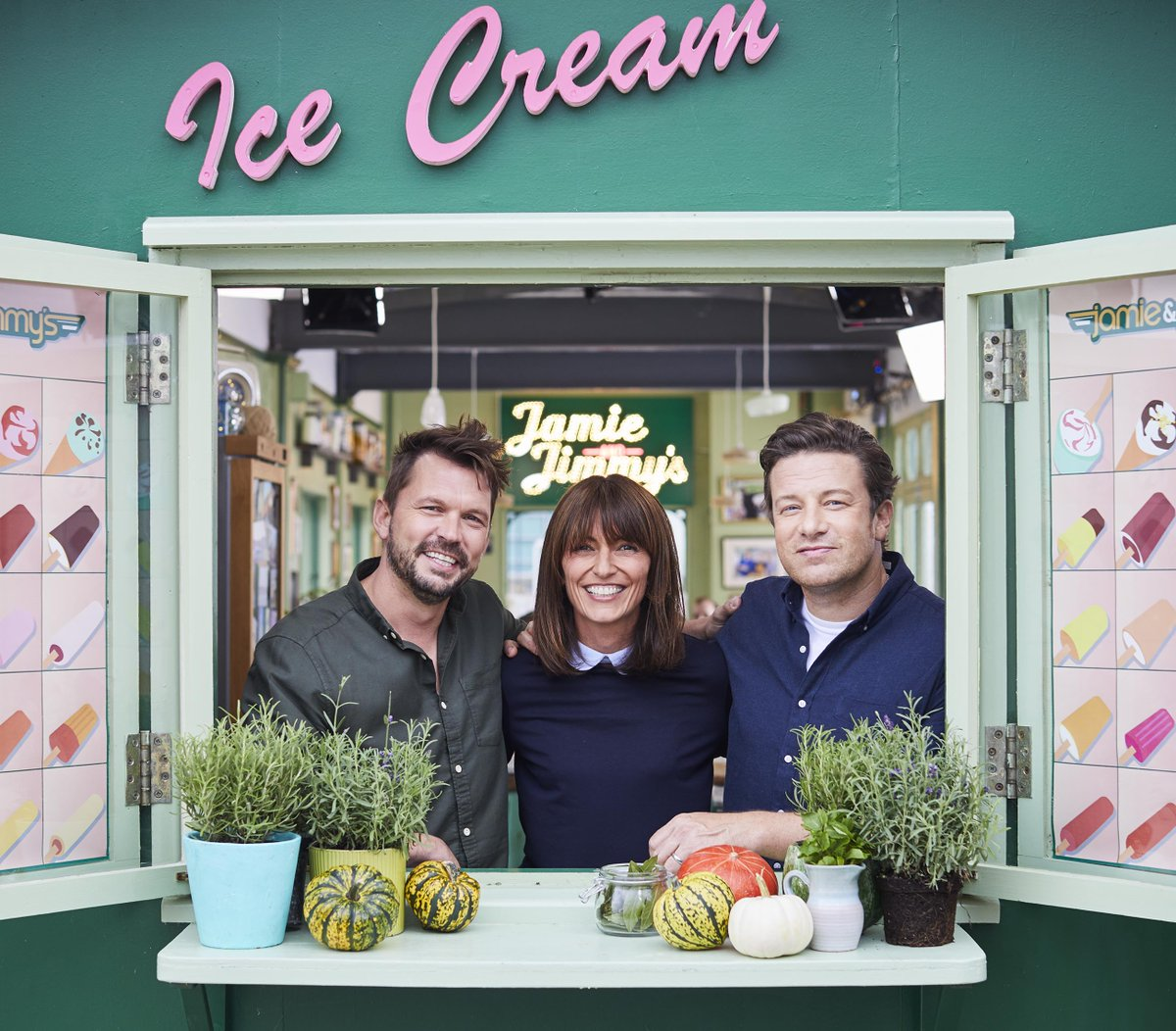 RT @Channel4: Tonight at 8pm @ThisIsDavina joins @JamieOliver and @jimmysfarm on #FridayNightFeast https://t.co/NOBM2XmMgY