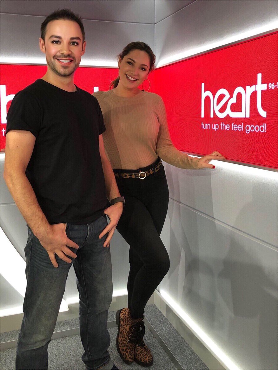 When you come straight to work after a Night out ????????????????♀️ @jkjasonking @thisisheart #honestlynoFilter https://t.co/JgI9lJ5tQT