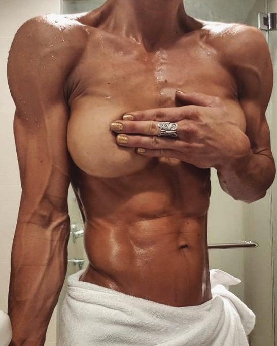 #motivation #fitness #muscle #bodybuilder #musclewomen #femalemuscle #abs #shredded #abworkout #fitnessaddict #vascular #bjbrunton