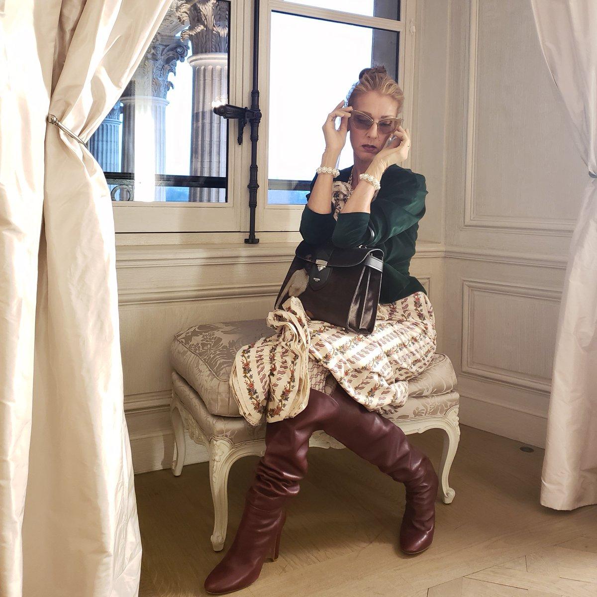 When in Paris… ✨ - Team Céline . Quand on est à Paris… ✨ - Team Céline  ???? : Dee Amore Marti  #fashion #OOTD https://t.co/0V8l2G8vzV