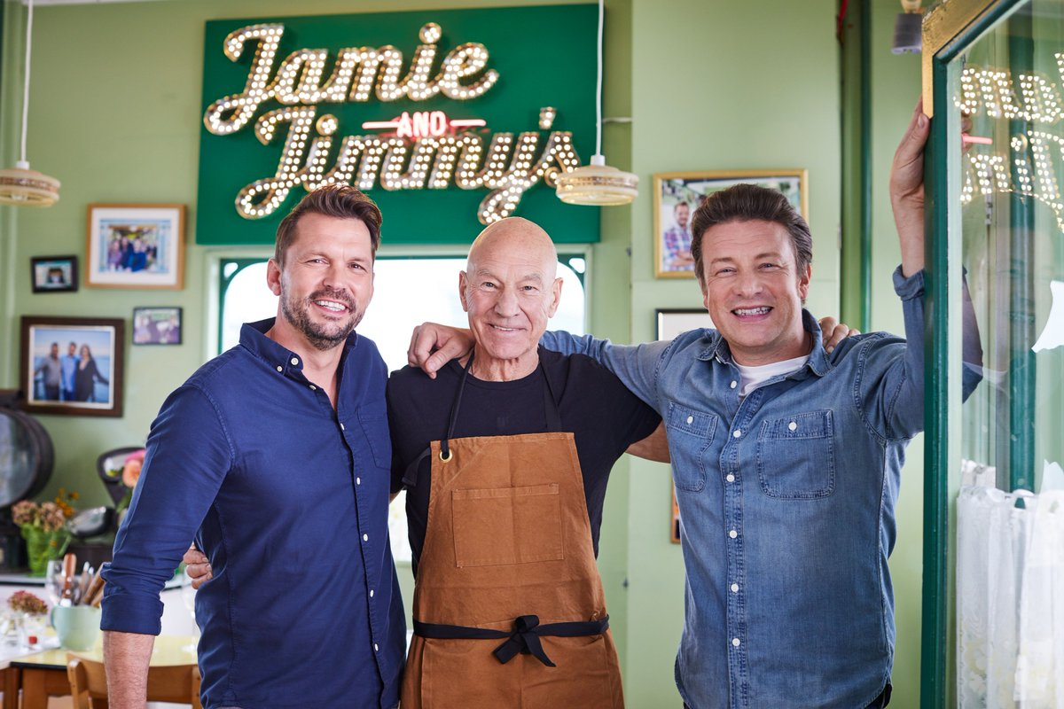 swapping the Starship Enterprise for Southend Pier.  Welcome, @SirPatStew! #FridayNightFeast https://t.co/xEXJvJvyiY
