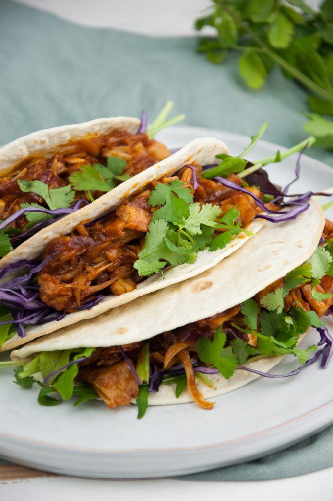 Pulled jackfruit tacos #recipe via Cravings Made Vegan https://t.co/leo0tukMix https://t.co/FIhoHk5UGs
