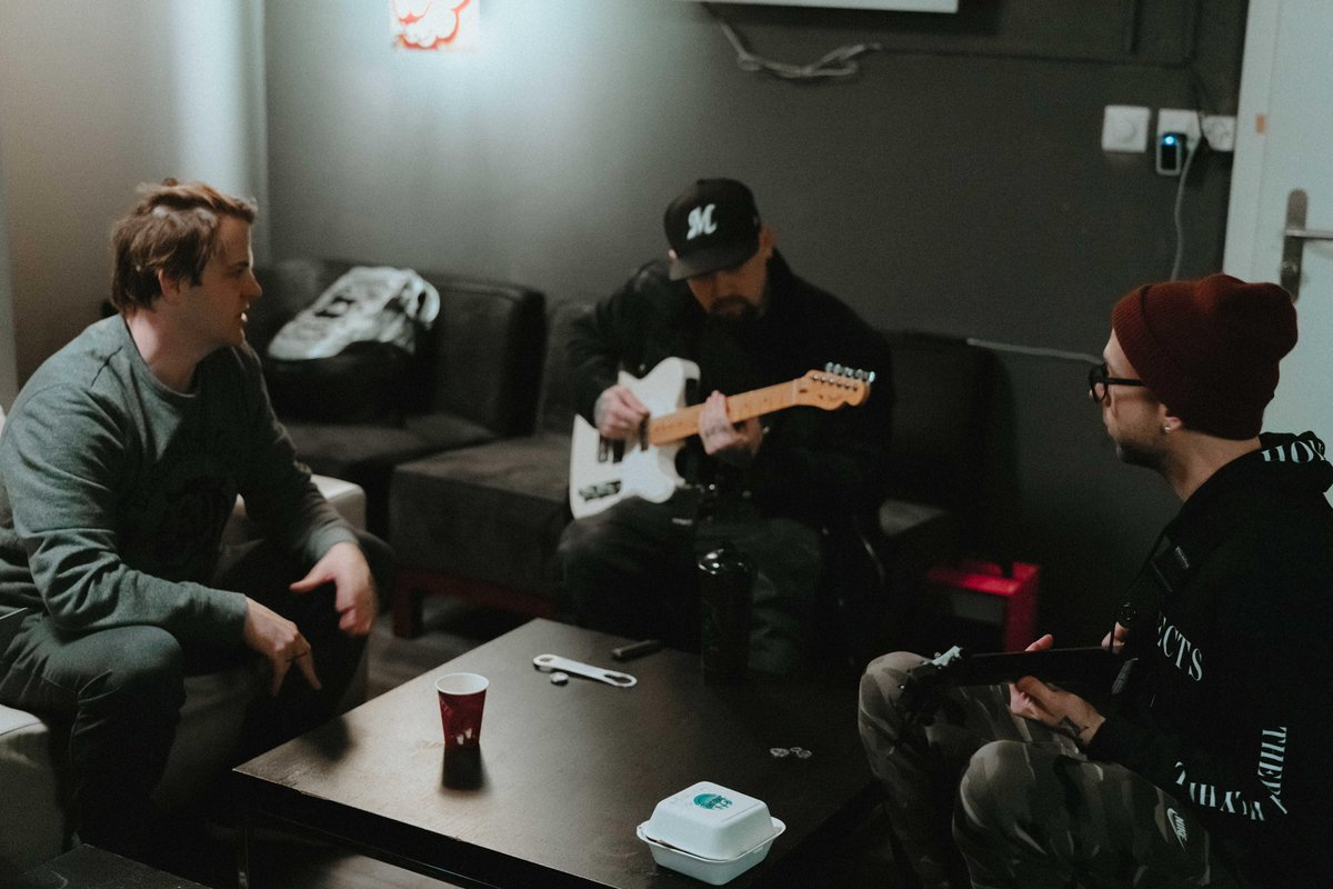 RT @GoodCharlotte: If you ever wondered what's going on backstage...it's a lot of this  ????: @ryanvwatanabe https://t.co/AH6qJLZu9g