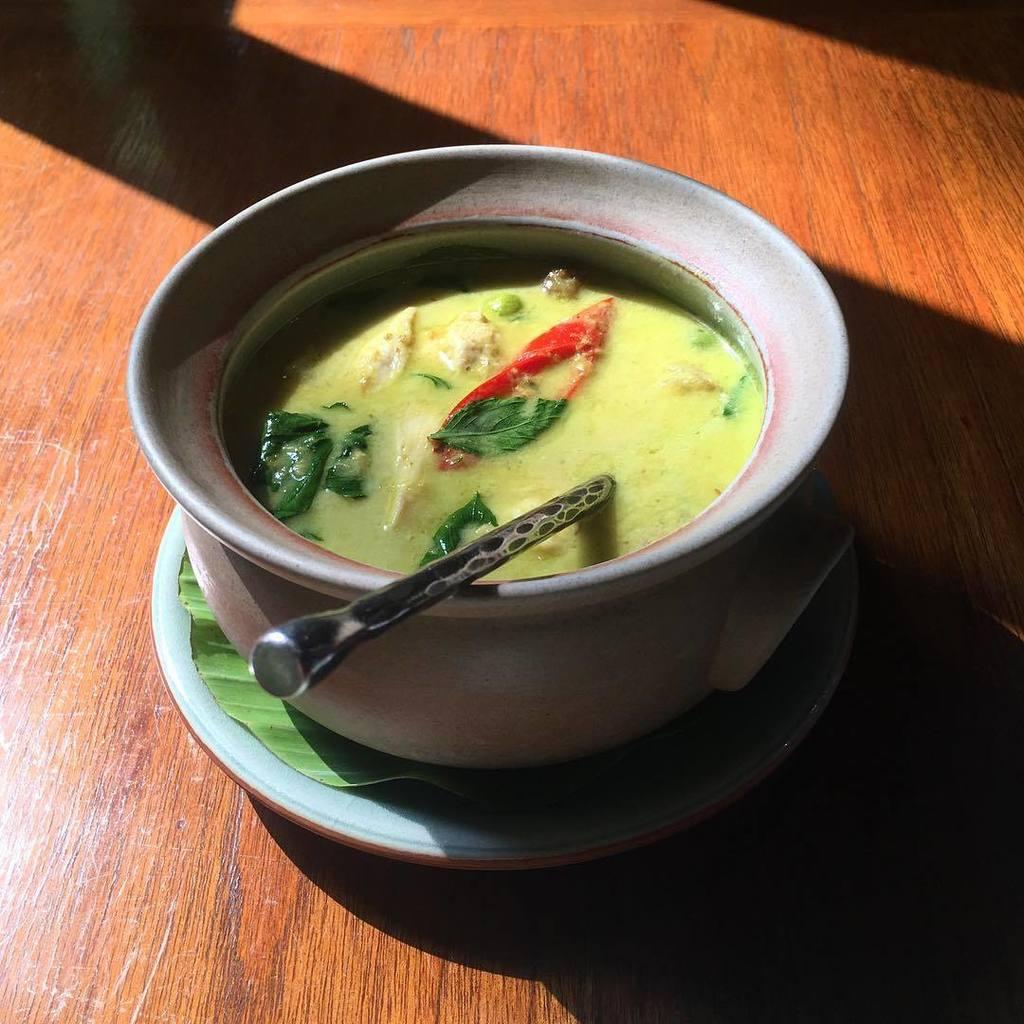 curry. #bangkok #thailand https://t.co/DngWrMhDZy https://t.co/Ql4dvH5pwP