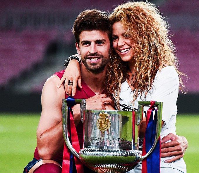 Happy birthday, Gerard Piqué & Shakira!  Now that\s relationship goals.