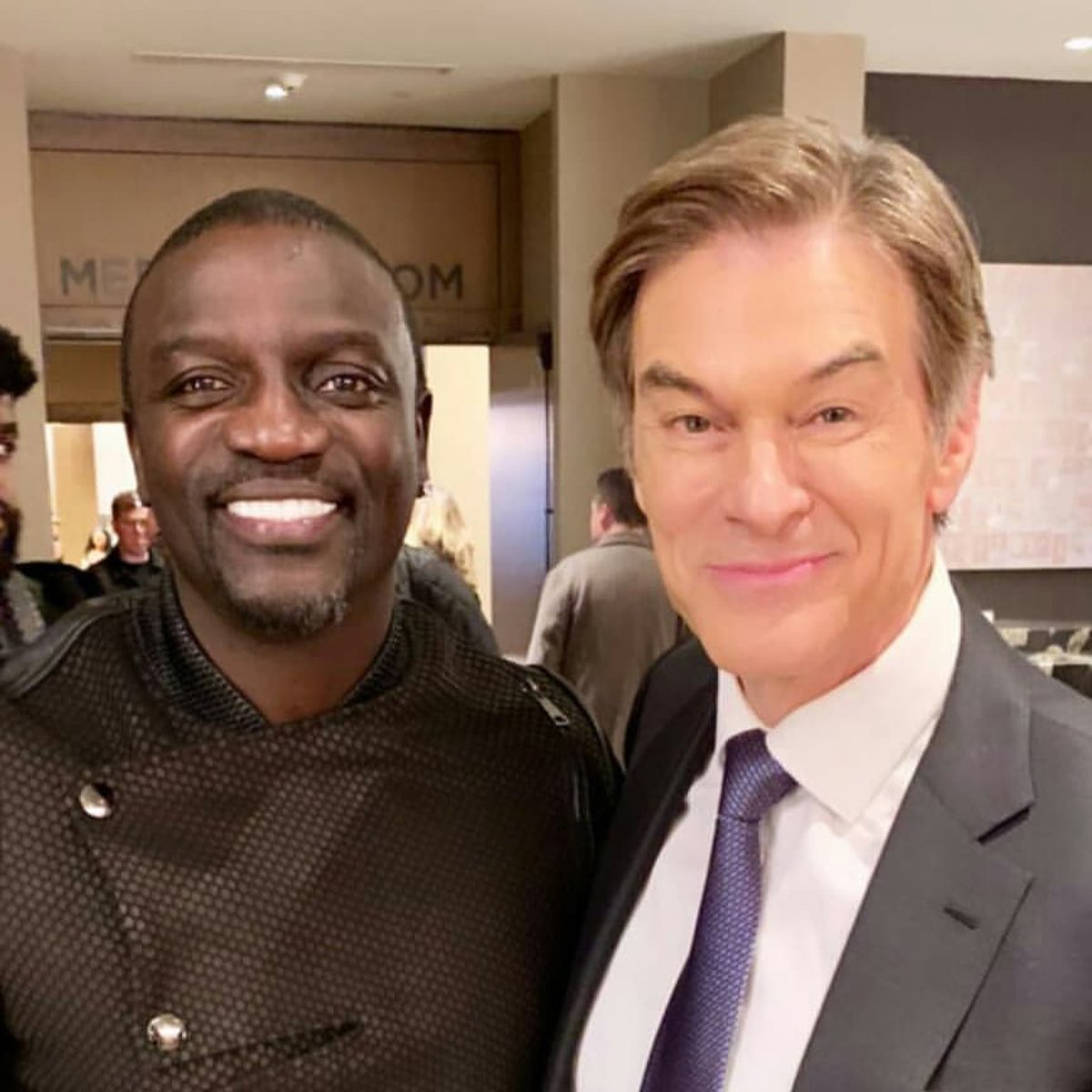RT @Akon: @DrOz in the house ✌???? https://t.co/lp7wypkb4I