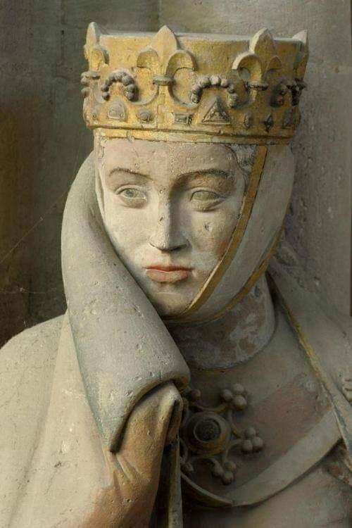 @DBking85 la statua di Uta di Ballenstedt adorna il coro della #cattedrale di #Naumburg https://t.co/StJUnGptfb