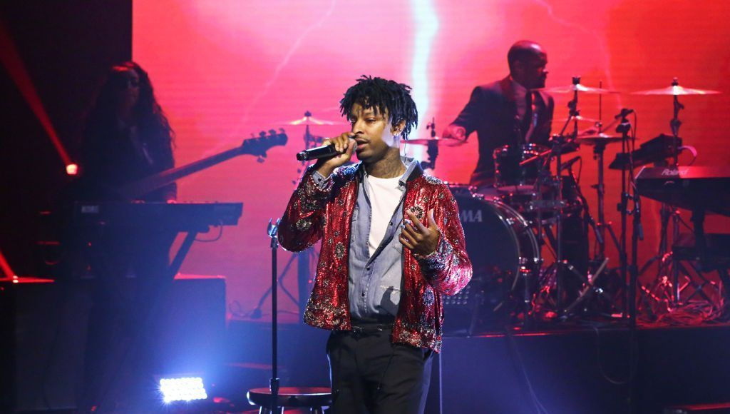 RT @thisis50: 21 Savage arrested by ICE over claims he's from theUK https://t.co/VvDG1JYM9q https://t.co/QUAnc9S85J