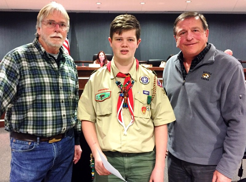 test Twitter Media - At last night's Board of Aldermen meeting, Jacob Bloomer was recognized for his Eagle Scout project @parkvillemo Nature Sanctuary. Jacob pole mounted and installed three bat houses, built and donated by Girl Scout Troop 274, along Bluebird Trail. https://t.co/qsLuXFVwOg