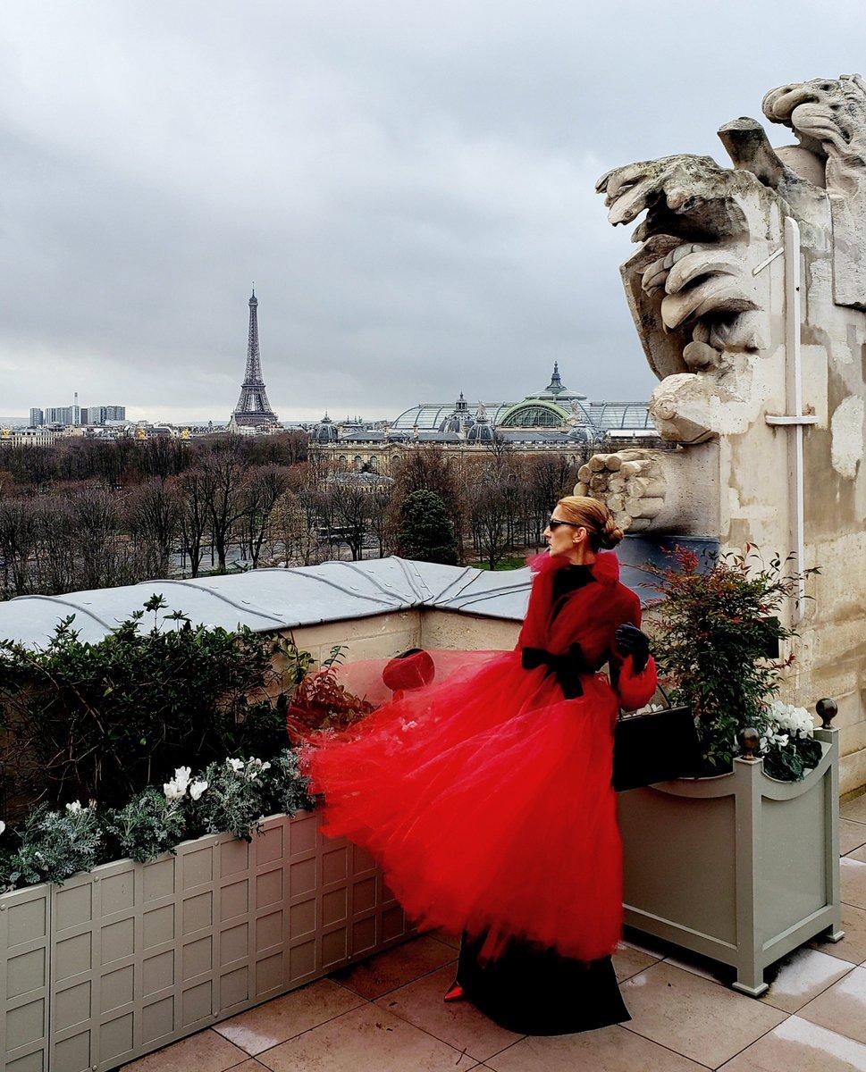 Souvenir de Paris…  - Céline xx…  Souvenir from Paris… - Céline xx…  ???? : Dee Amore Marti  #TBT https://t.co/2NtHeRhIHN