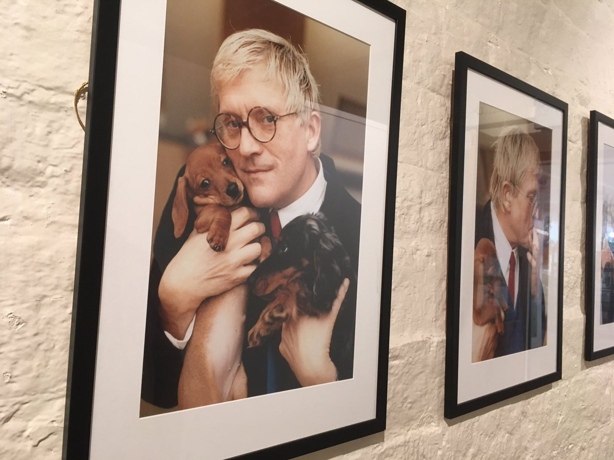 RT @visitBradford: On #LoveYourPetDay here's David Hockney with dachshunds Stanley and Boodgie. https://t.co/L3xv1OWJcu