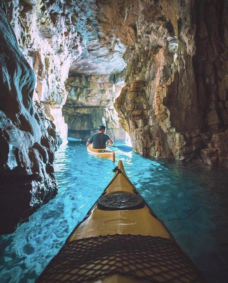 RT @JustTraveI: Kayaking through Blue Cave, Croatia https://t.co/V7i9o8sRfX