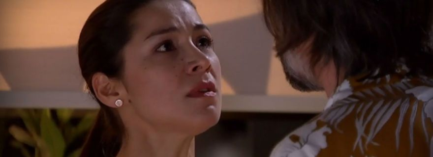 """Así quedó el rostro de Loreto Aravena por brutal escena de """"Pacto deSangre"""" https://t.co/AagArTNX0l https://t.co/EQjABb1foF"""