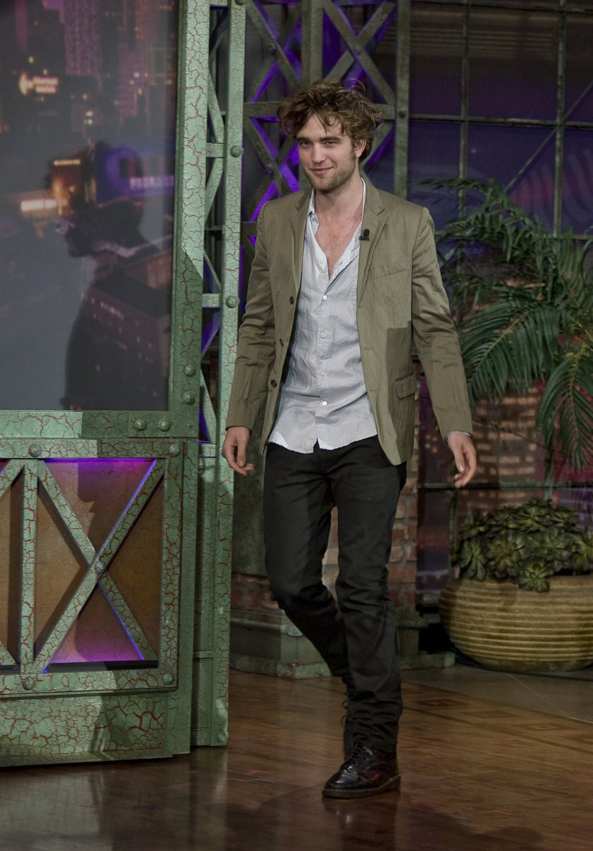 test Twitter Media - DAY 51: Robert Pattinson on Jay Leno doing Twilight promo (2008)  📷#PattinsonsPhotoOfTheDay📷 🖤#365DaysOfRobertPattinson🖤  #RobertPattinson #2019Edition #RobertPattinsonArmy #RPArmy  All the pics so far: https://t.co/aQK0spZduR https://t.co/EYIAx2mrx6