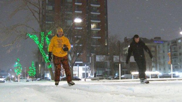Toronto man's fundraiser for Alzheimer's gets major boost from AC/DC guitarist