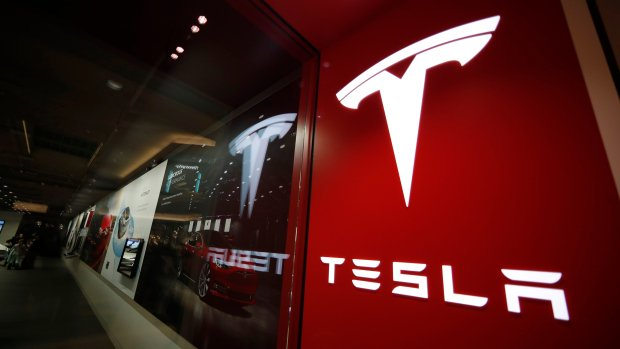 Tesla's top lawyer leaves after only 2 months on the job