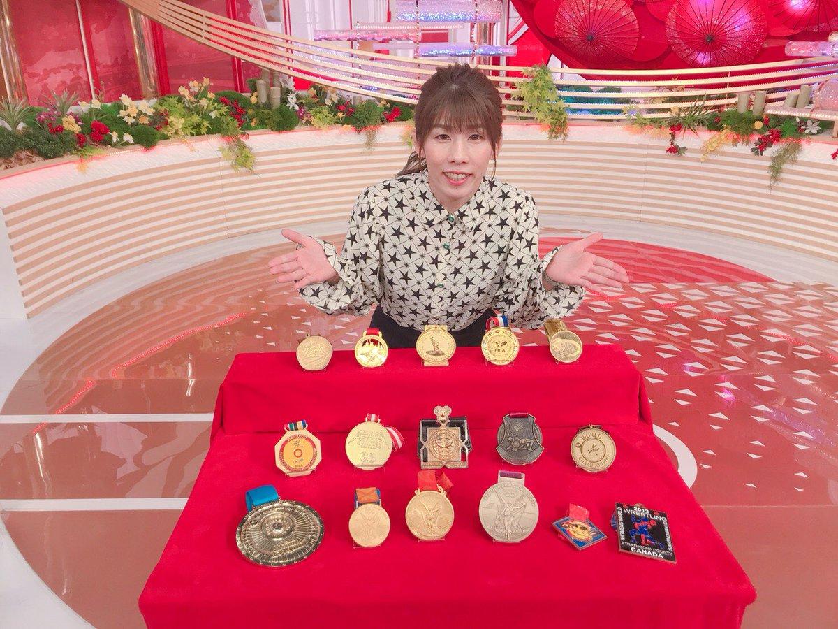 test ツイッターメディア - 日本テレビ 上田晋也の日本メダル話 16個の金メダルをスタジオに持って行きました🏅 重かったぁ…😅 目の前にメダルを並べていろんなトークをしました😊 本日17:00〜 関東ローカル お時間ある方ははぜひ観てね😆 #上田晋也の日本メダル話 https://t.co/DjQLggYsUZ