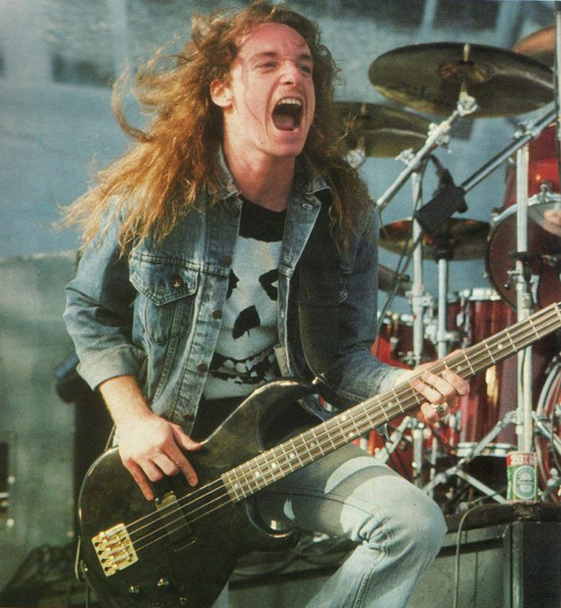 I share a birthday with an amazing bass player Cliff Burton... Happy B-Day Bro!!