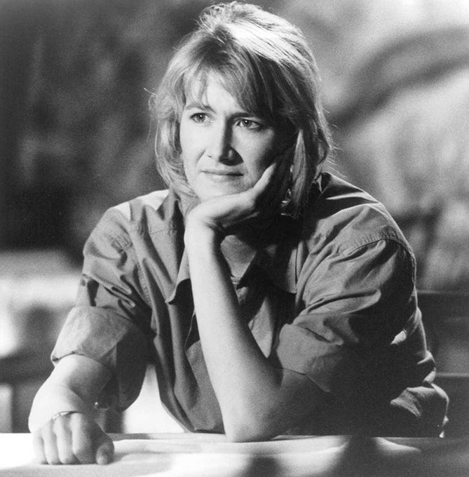 Happy Birthday to the one and only Laura Dern! She deserves the world